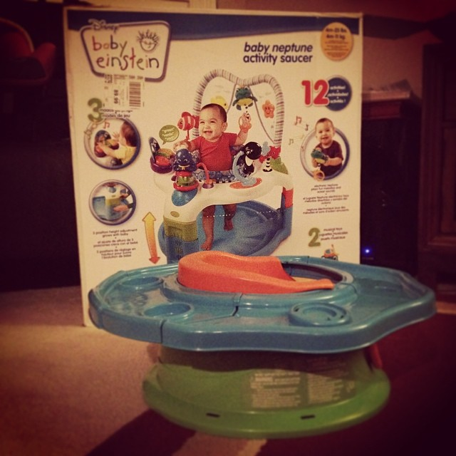 On the box? Baby Einstein Activity Saucer. In the box? Summer Infant booster seat. Wrong brand and product. Fantastic.